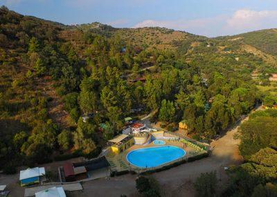 canapai piscina veduta